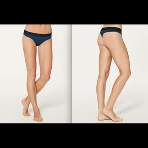 Lululemon Mula Bandhawear Thong Night Tide/Black